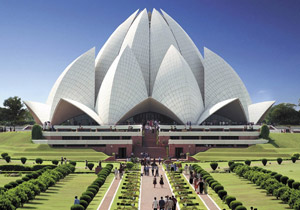 visit lotus temple in delhi