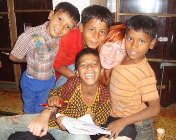 Street Children Volunteering in India
