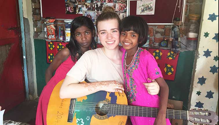Photo Gallery - Street Children Volunteering in India