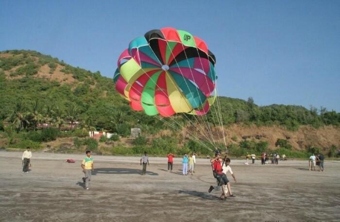 Parasailing-in-Himachal-Pradesh